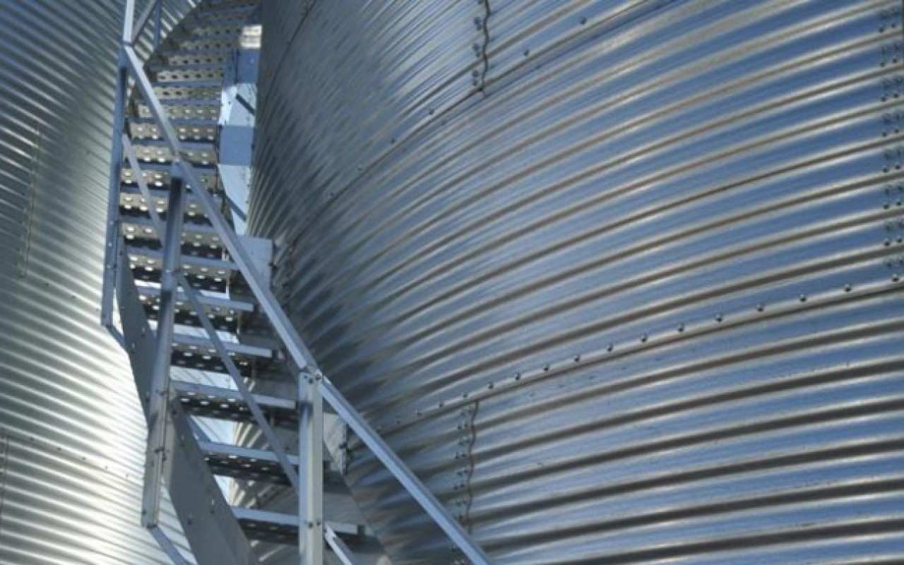 Flat Bottom Grain Bins Twister Grain Storage Flaman
